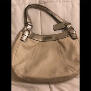 Beautiful Coach Soho Hobo leather purse #F19453